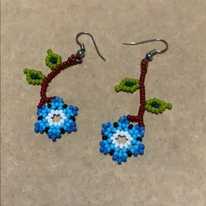 Jewelry - Fun floral earrings